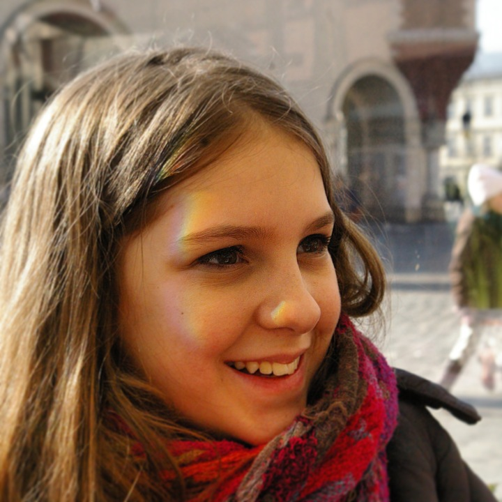 Jenna laughs at birds dive bombing her in Krakow