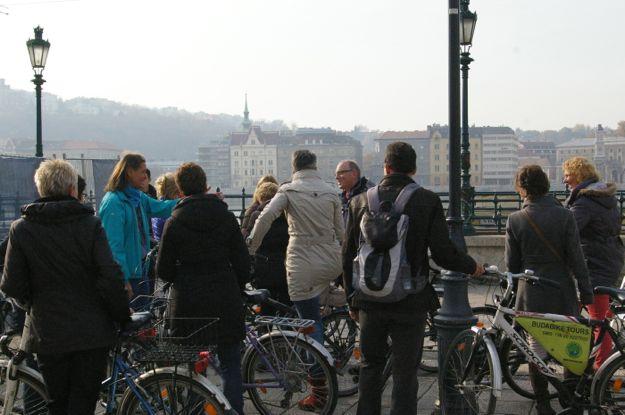 city_dutch_tourists