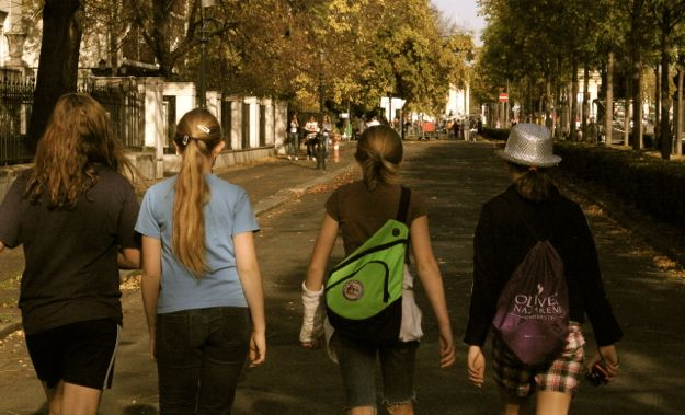 streets_girls_budapest