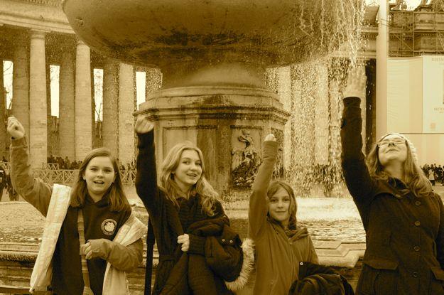 girls_fountain