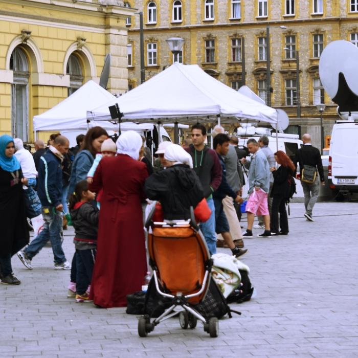 keleti_women_travel_Fotor